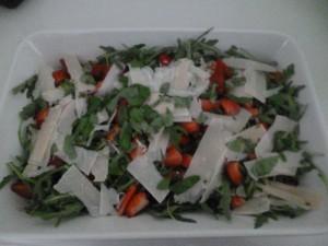 Rucola-Erdbeersalat mit Parmesan